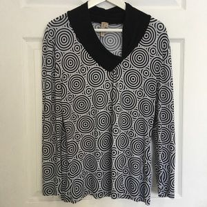 Tops - Black and White Top l bundle 4 for $20